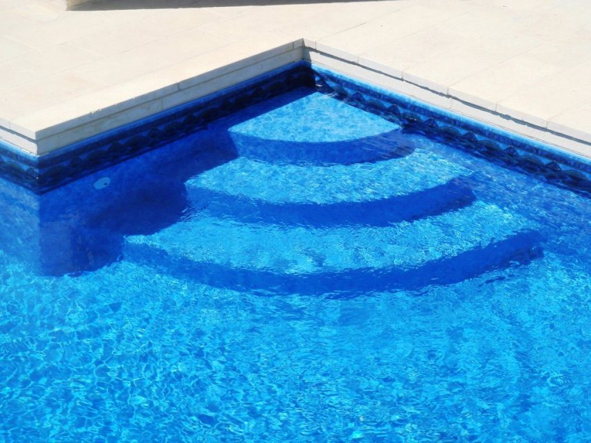 Swimming pool steps - Steps to build an inground swimming pool ...